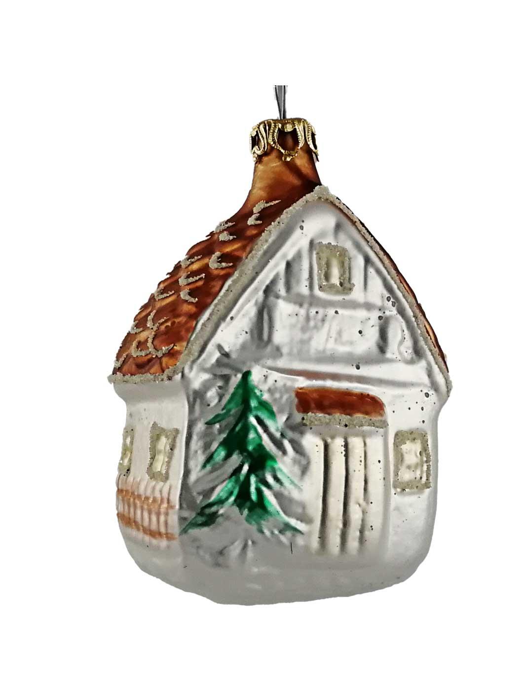 Haus mit braunen Dach